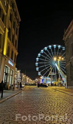 Poznańska ulica nocą