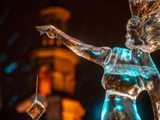 Suknia rzeźbiona lodem na miarę | Stary Rynek