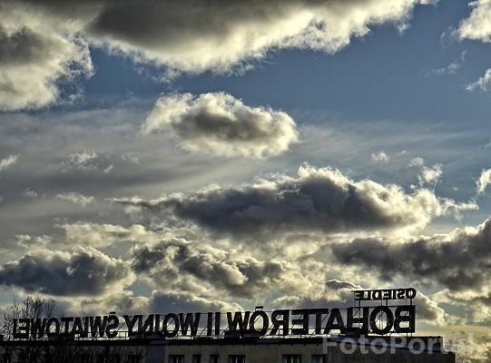 Niebo nad Ratajami