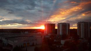 Zachód słońca na osiedlu Dębina