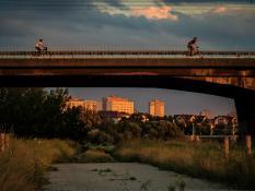 Rowerem przez most