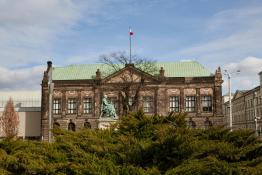 Muzeum Narodowe - słoneczny wiosenny dzień