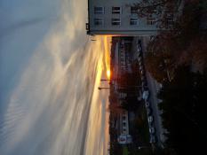 Zachód słońca widziany z okien blokowiska