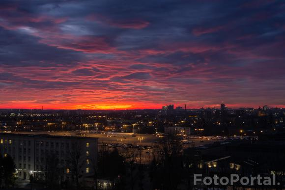 Magiczne niebo nad os. Warszawskim