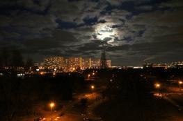 Wieczorne niebo nad Parkiem Czarneckiego