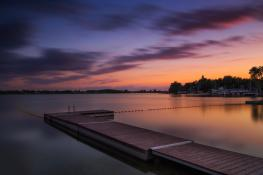 Letni zachód słońca nad jeziorem Kierskim.