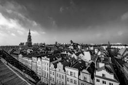 na dachach Poznania