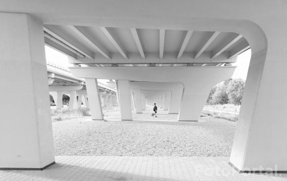 Pod mostem na Ratajach