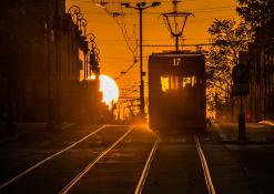 Słoneczny tramwaj/ most Teatralny